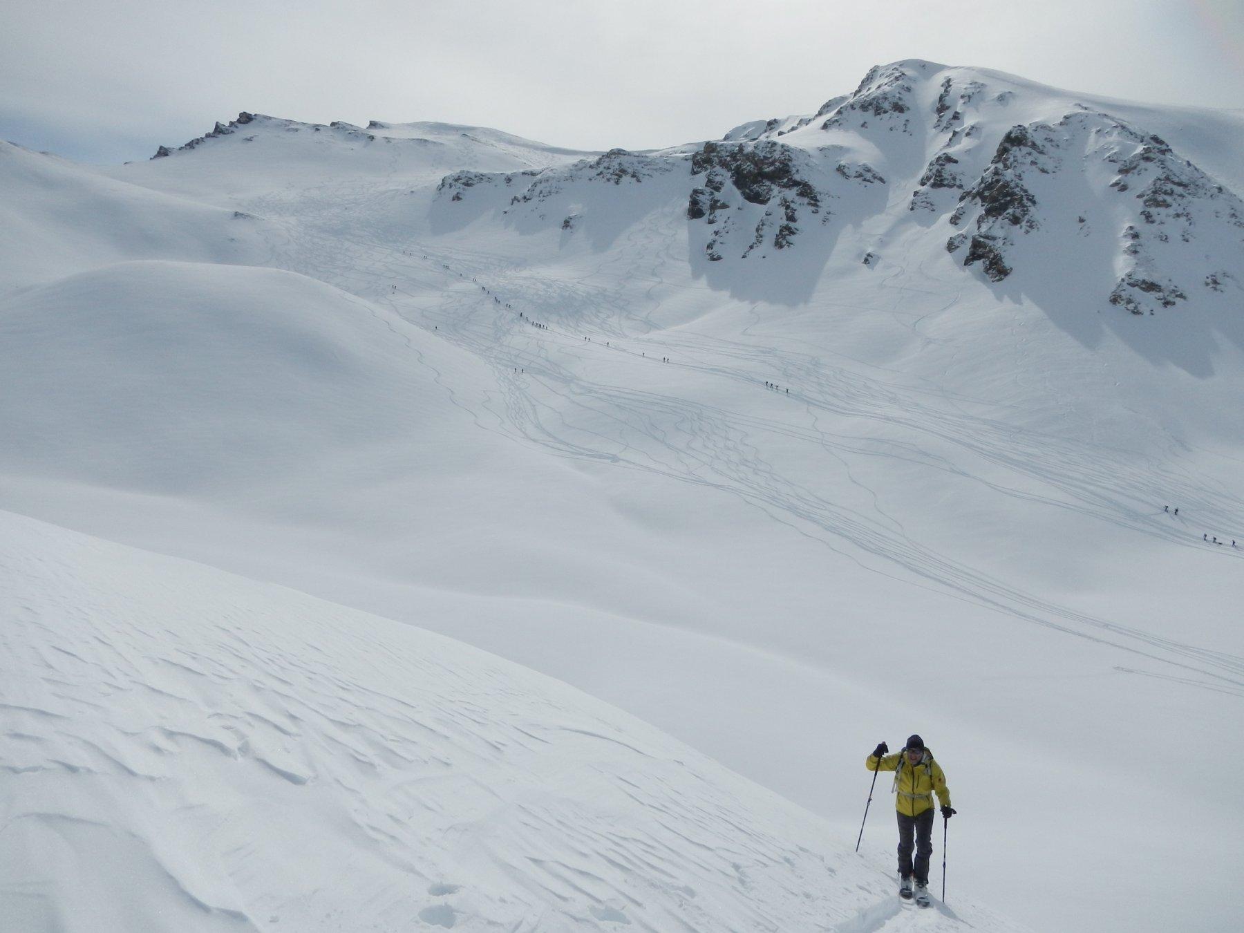 sullo sfondo...la solitudine dello scialpinista