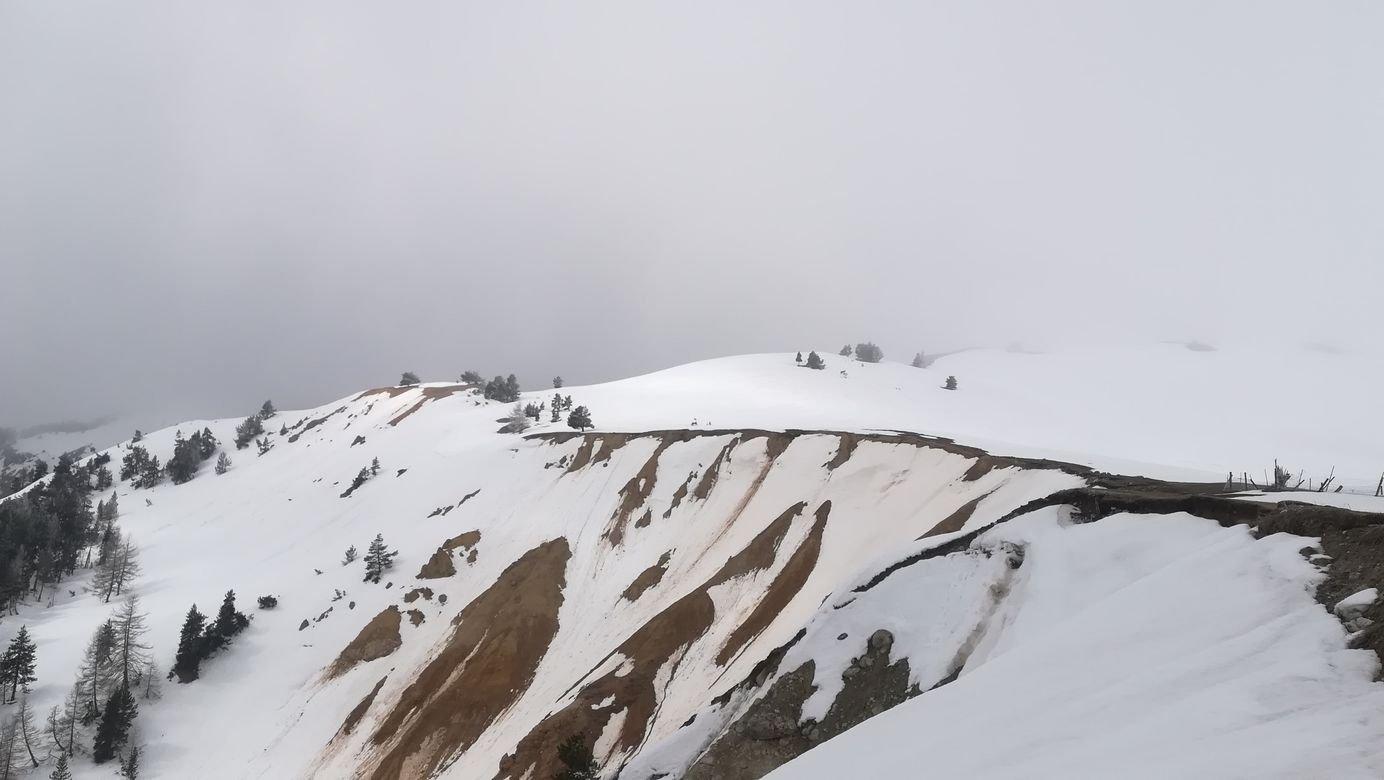 nei pressi degli Chalets, i salti che dominano il vallone salito