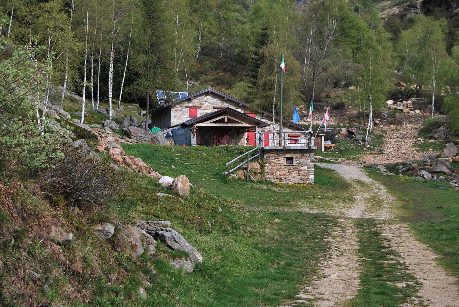 Paglie (Bric) dal Santuario di Graglia, anello per l'Alpe Pianetti 2020-05-05