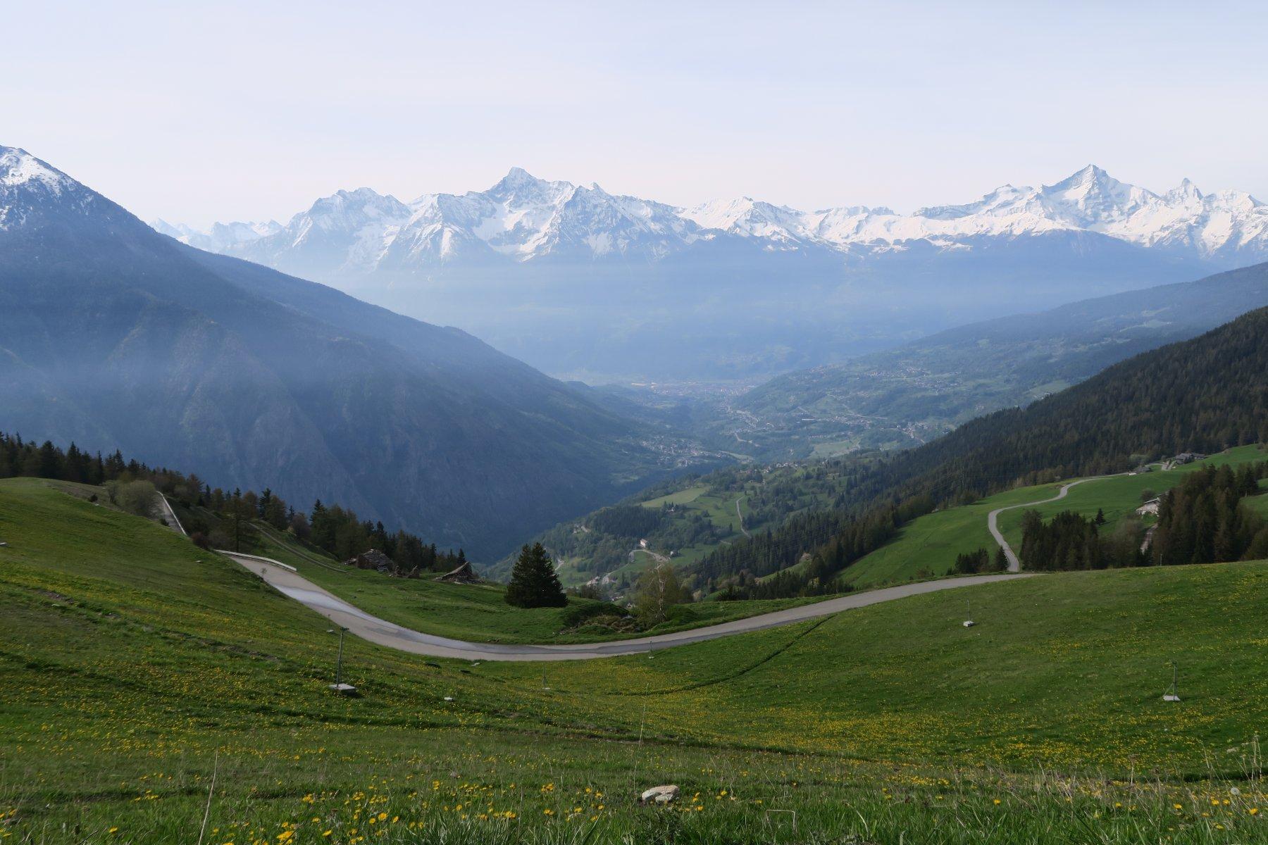 vista verso Aosta scendendo in macchina