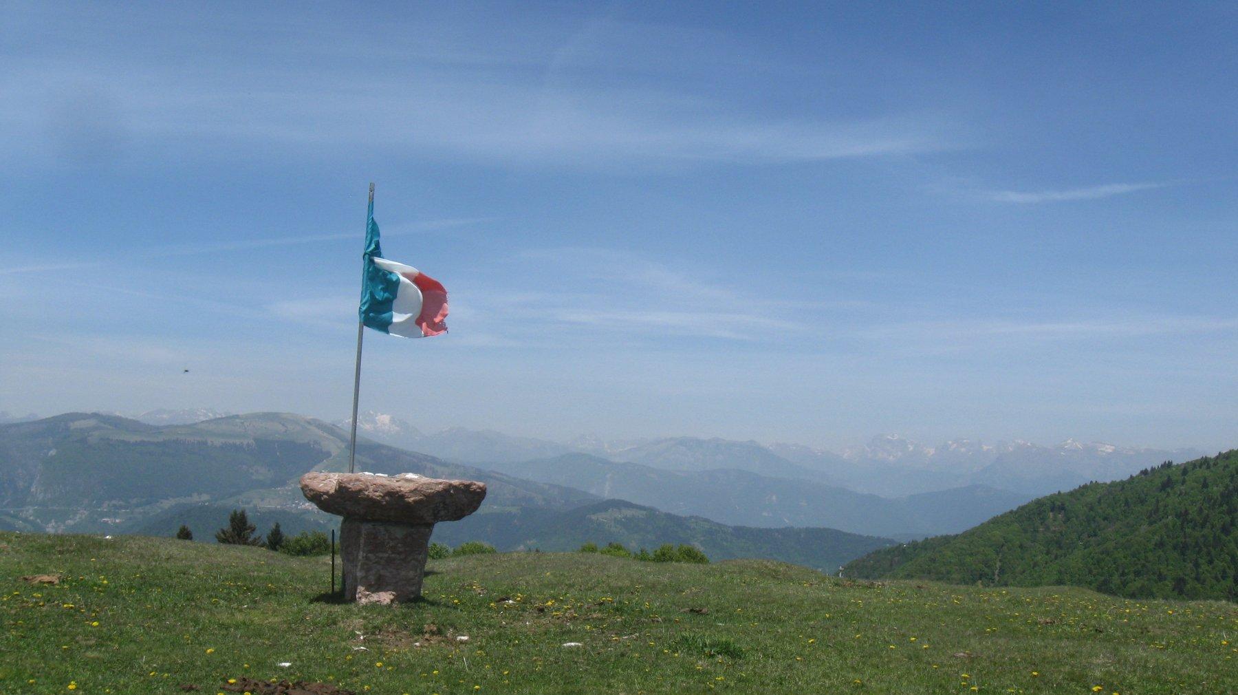 cima del Col Moschin verso le Pale di San Martino