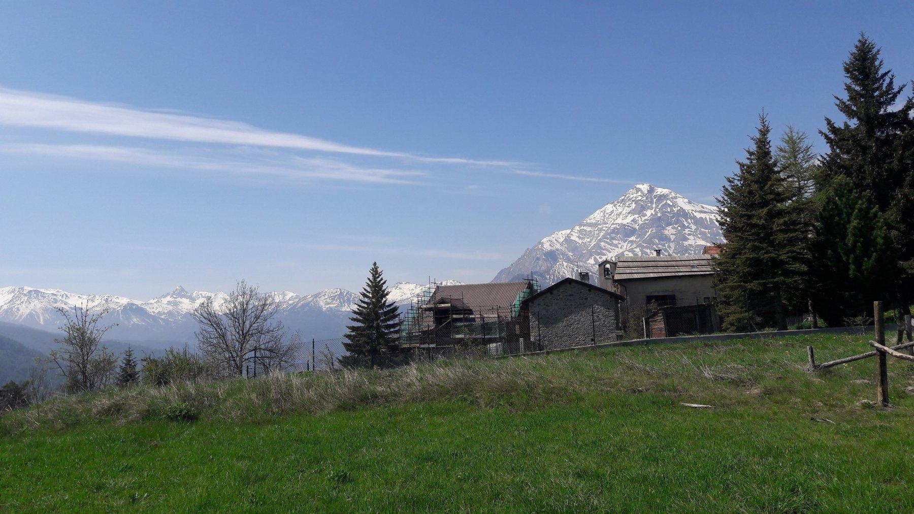A sx Pic de Rochebrune, a dx lo Chaberton, visti da Vazon