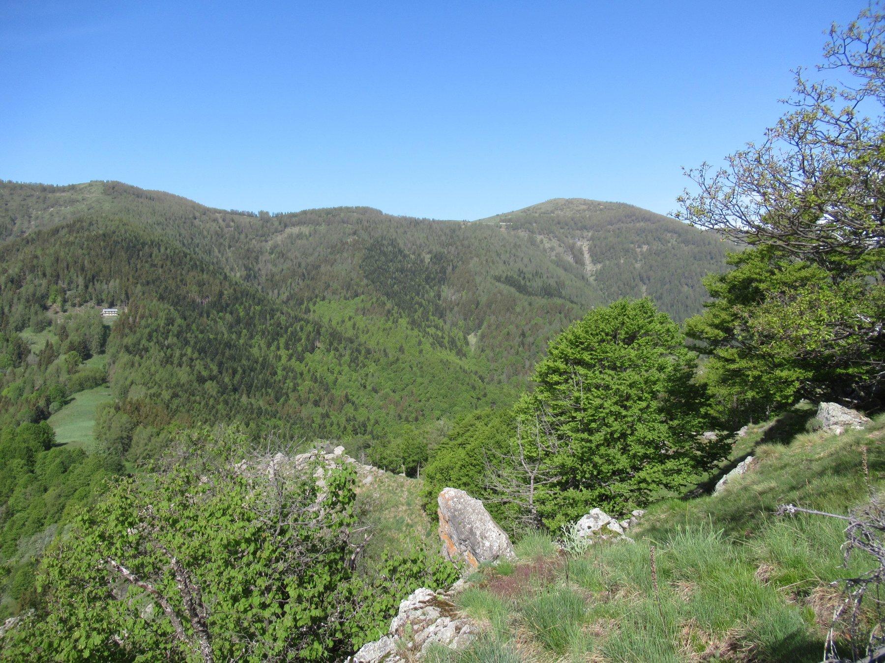 Cima Marta (m.2138) vista dal Monte Gerbonte (m.1727).