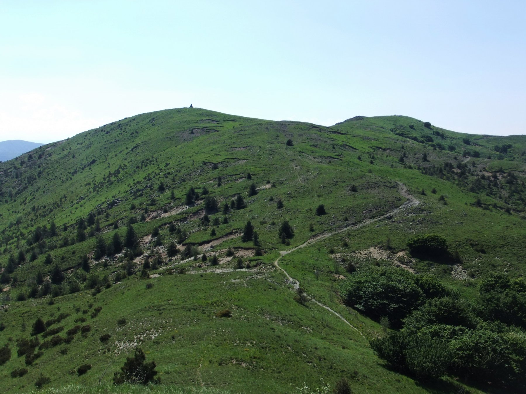 Le due cime del Pracaban viste dal Bric Nascio