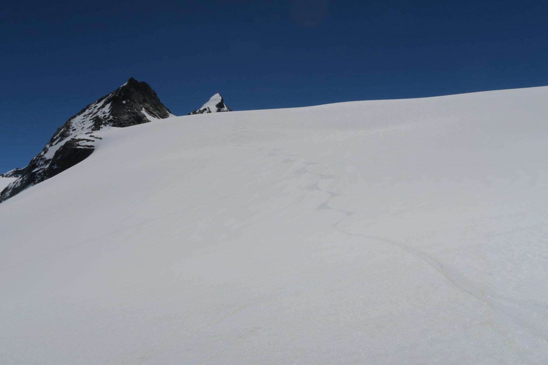 neve fantastica sul ghiacciaio
