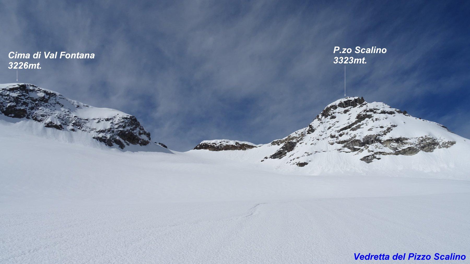 Mettiamo i piedi sul ghiacciaio traversando sotto il P.zo Scalino.