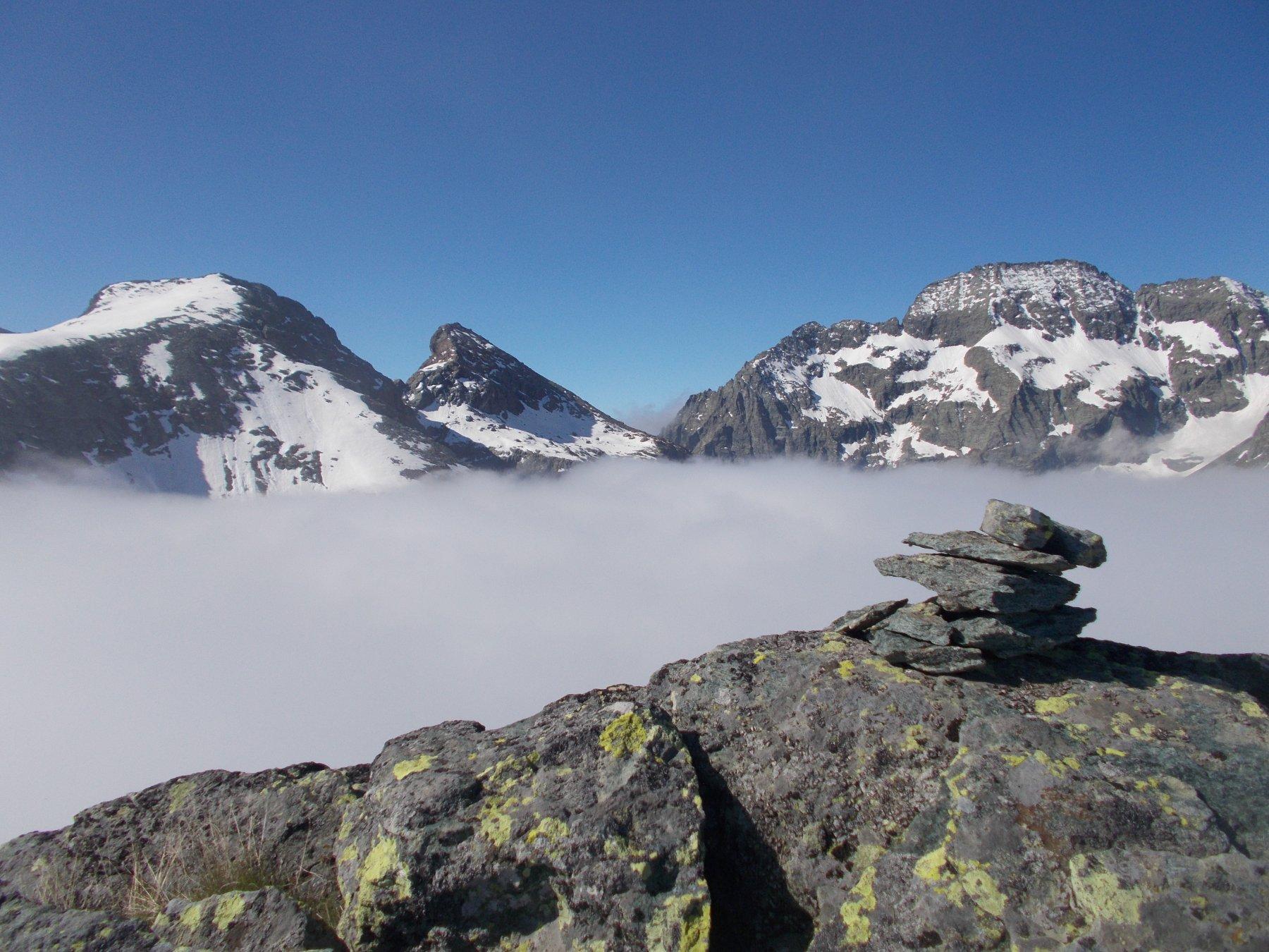 dal bec del Fausset la punta Golai, torre d'Ovarda e in mezzo il Col Paschiet..