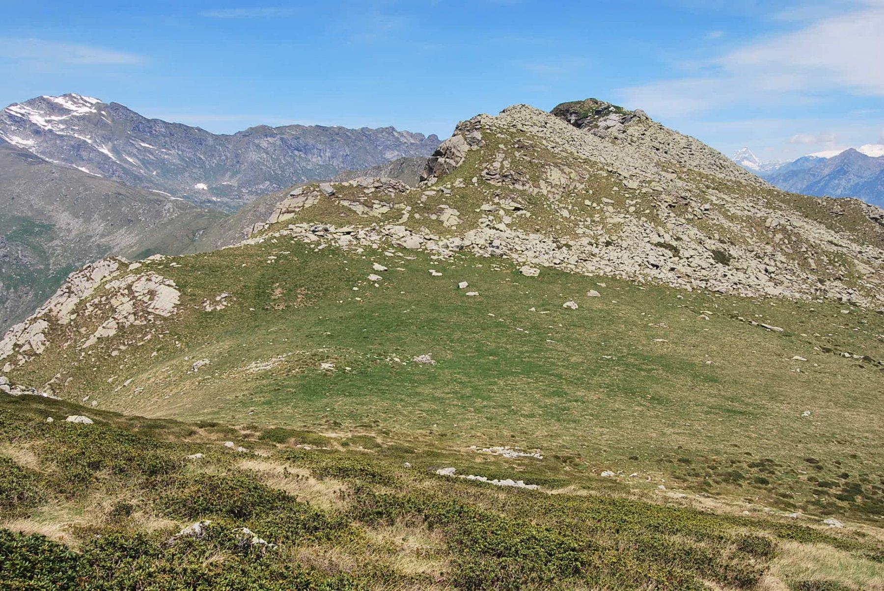 Col di Naverano e la cresta verso la Punta del Pianello