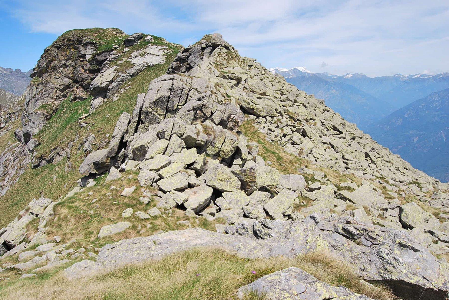 Il tratto più impegnativo: le pietraie passato il Col di Naverano