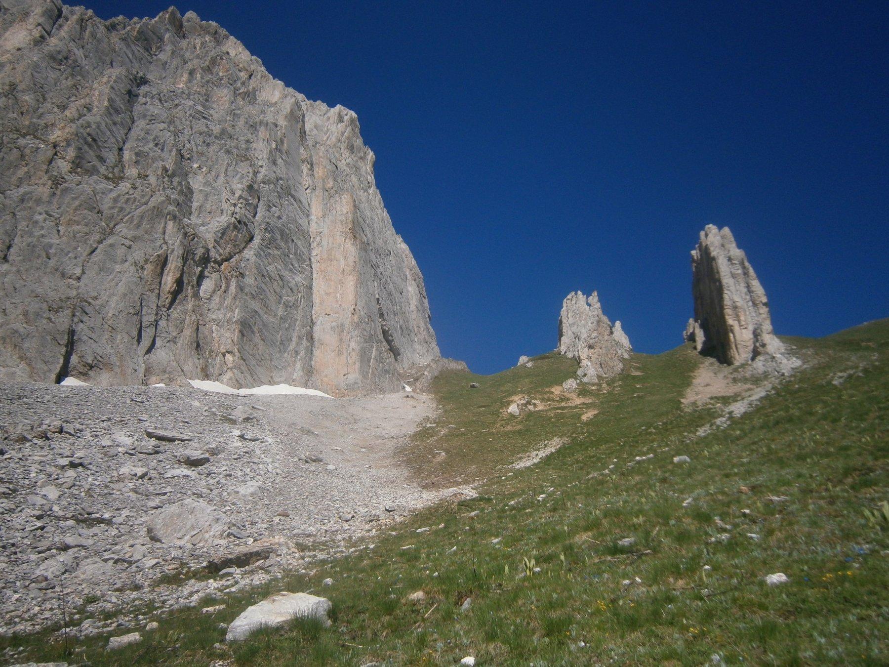 rocca di Salè e i due Omi scendendo a valle