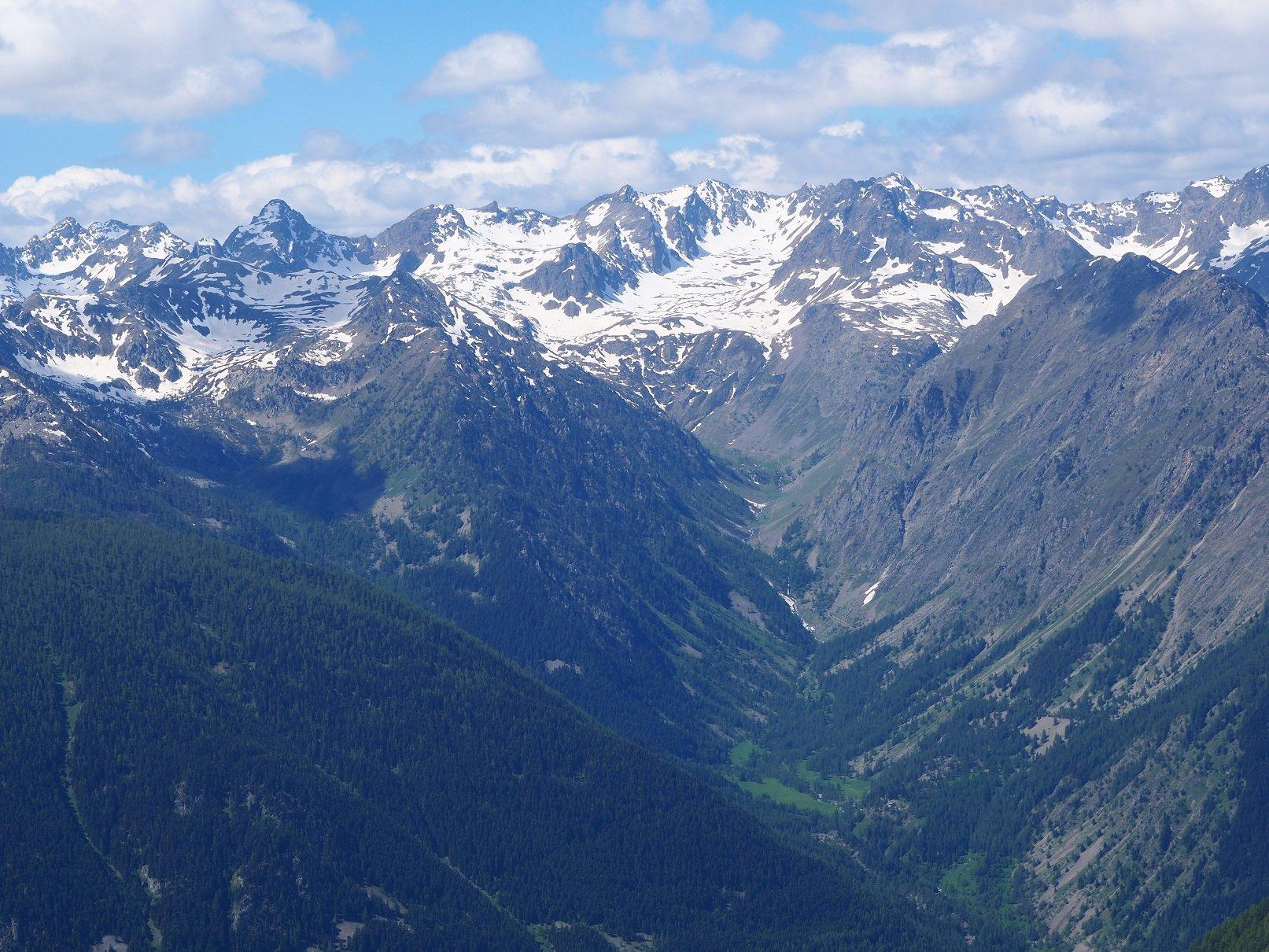 Panorama verso il Monte Tenibres.