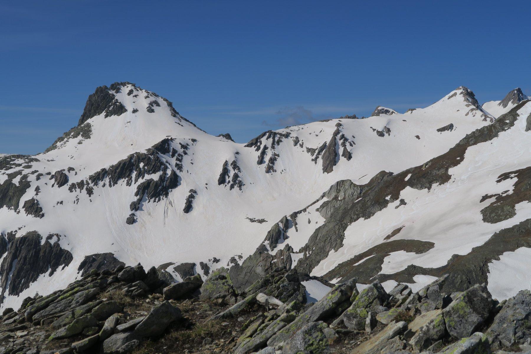 dalla cima: Pain de Sucre, Fouchon e tracce di discesa dalla Tete de Fenetre