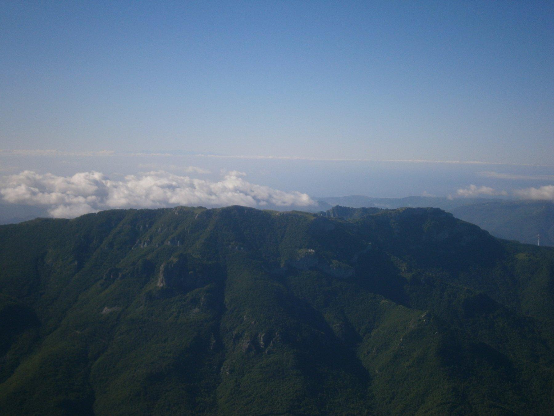la Corsica all'orizzonte