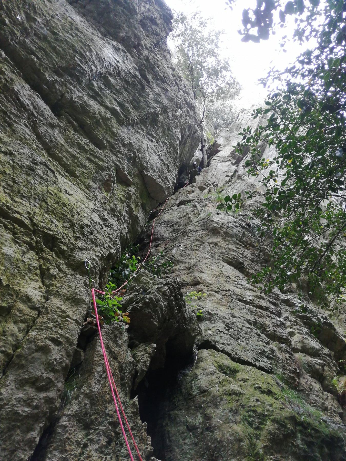 Pete nel camino della Rocca dell'Aia