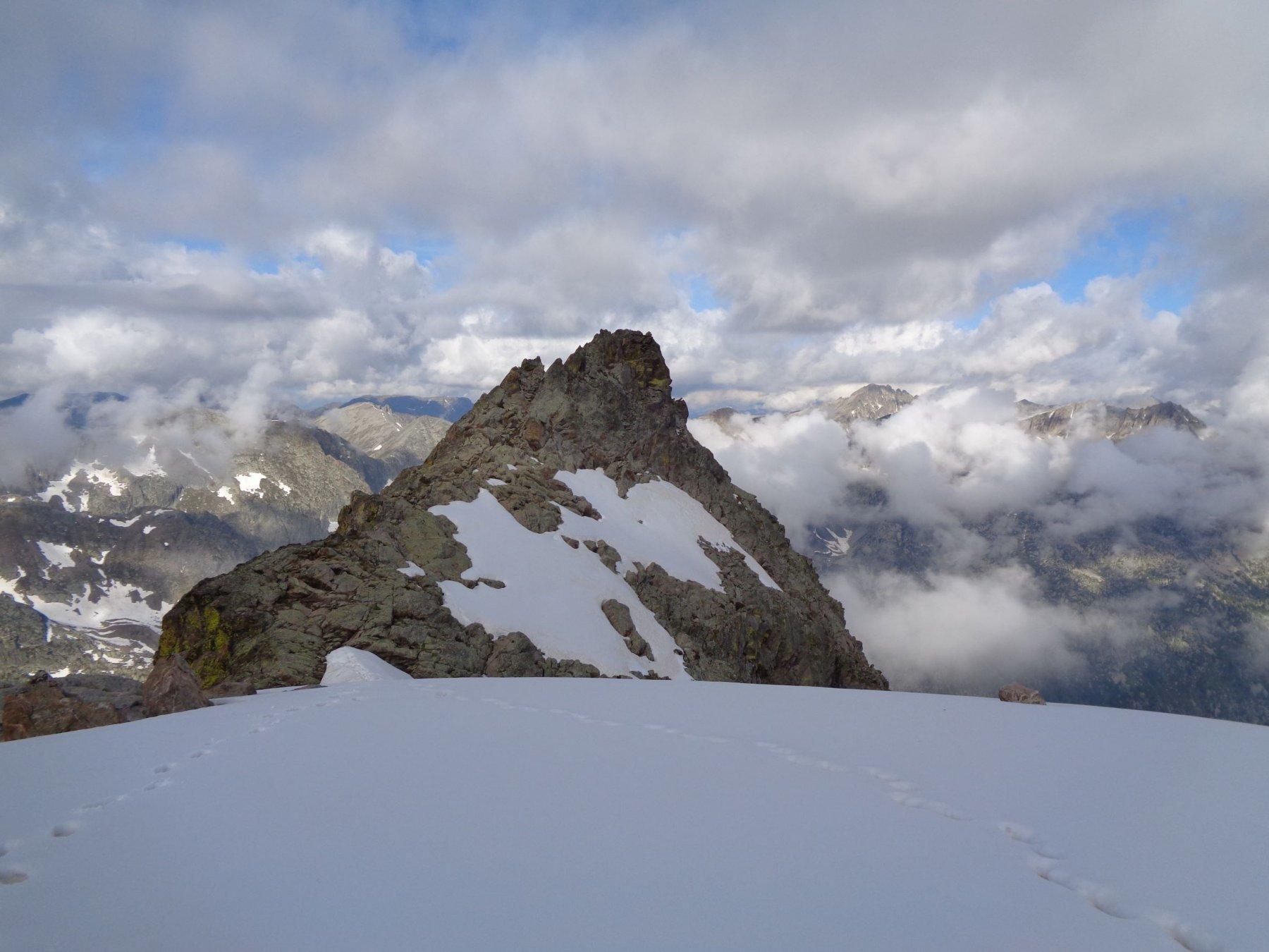 Dall'uscita del canale, la cresta percorsa per raggiungere la P. Laurenti