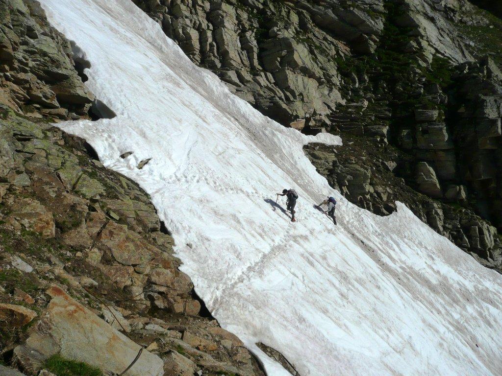 Lingua di neve prima del Rifugio, da non sottovalutare. (Canale della Ballotta).