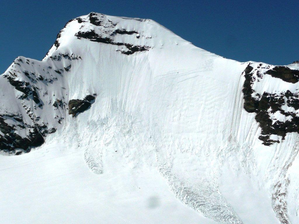 Nord Grande Aiguille Rousse: il puntino a centro parete è uno che sale...