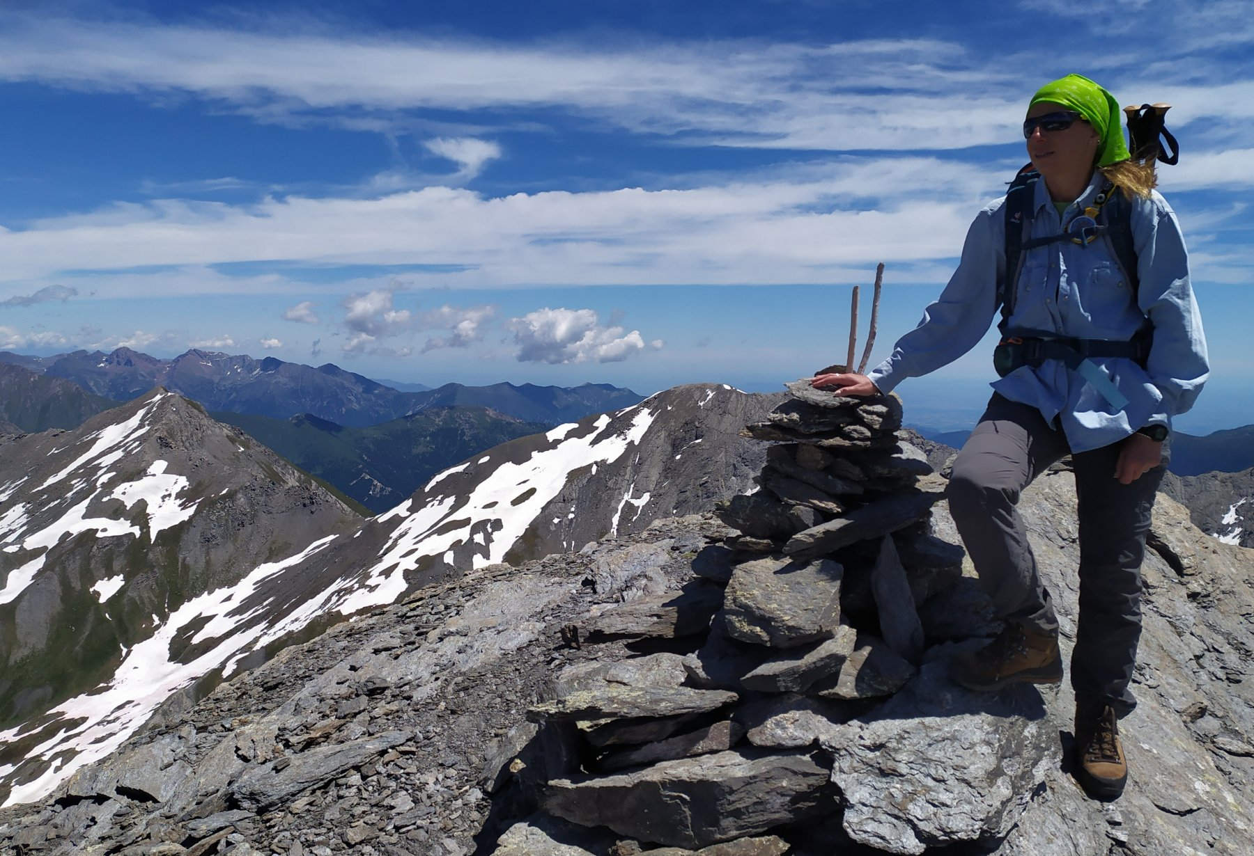 In cima con la Val Troncea alle spalle