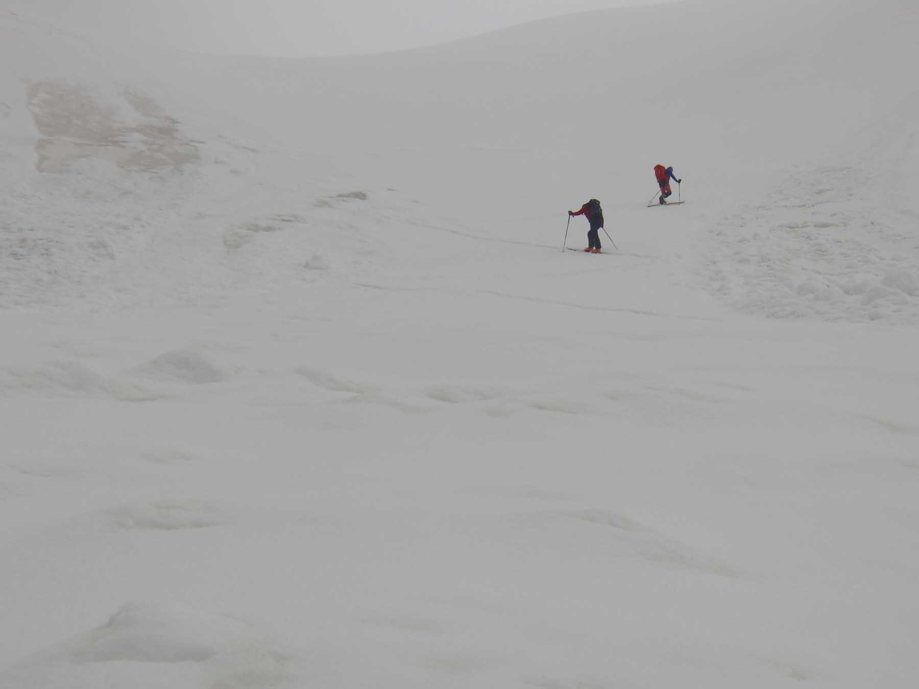 Ancora molta neve ma scarsa visibilità