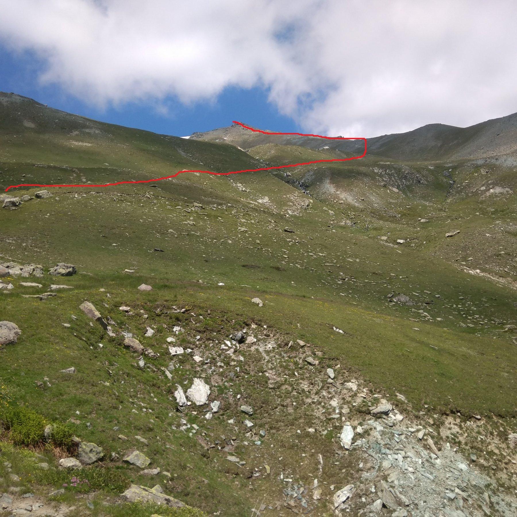 L'itinerario da percorrere per guadagnare il crestone sud-est delle Rocce del Foens