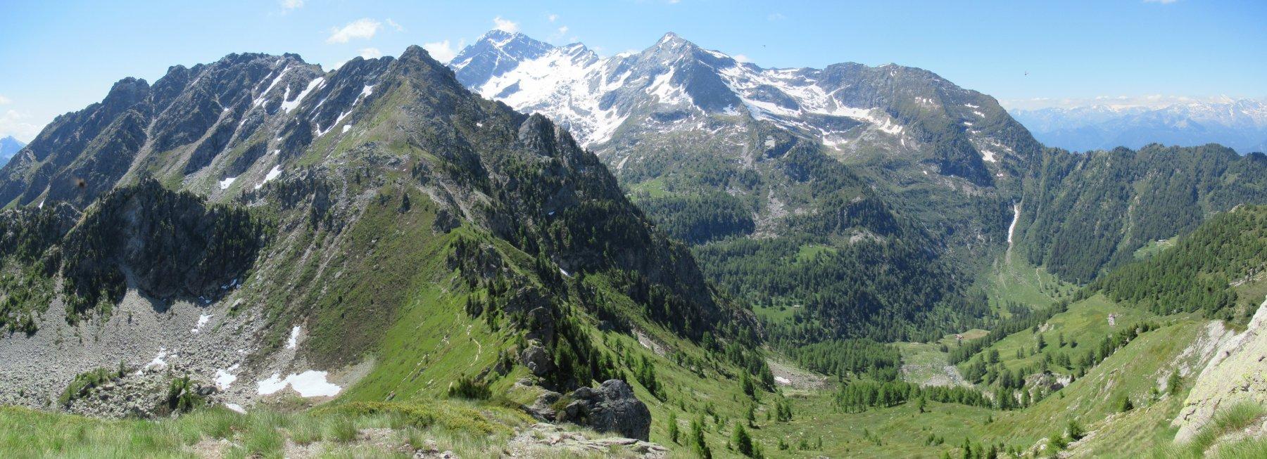 Il Mont Nery ancora innevato