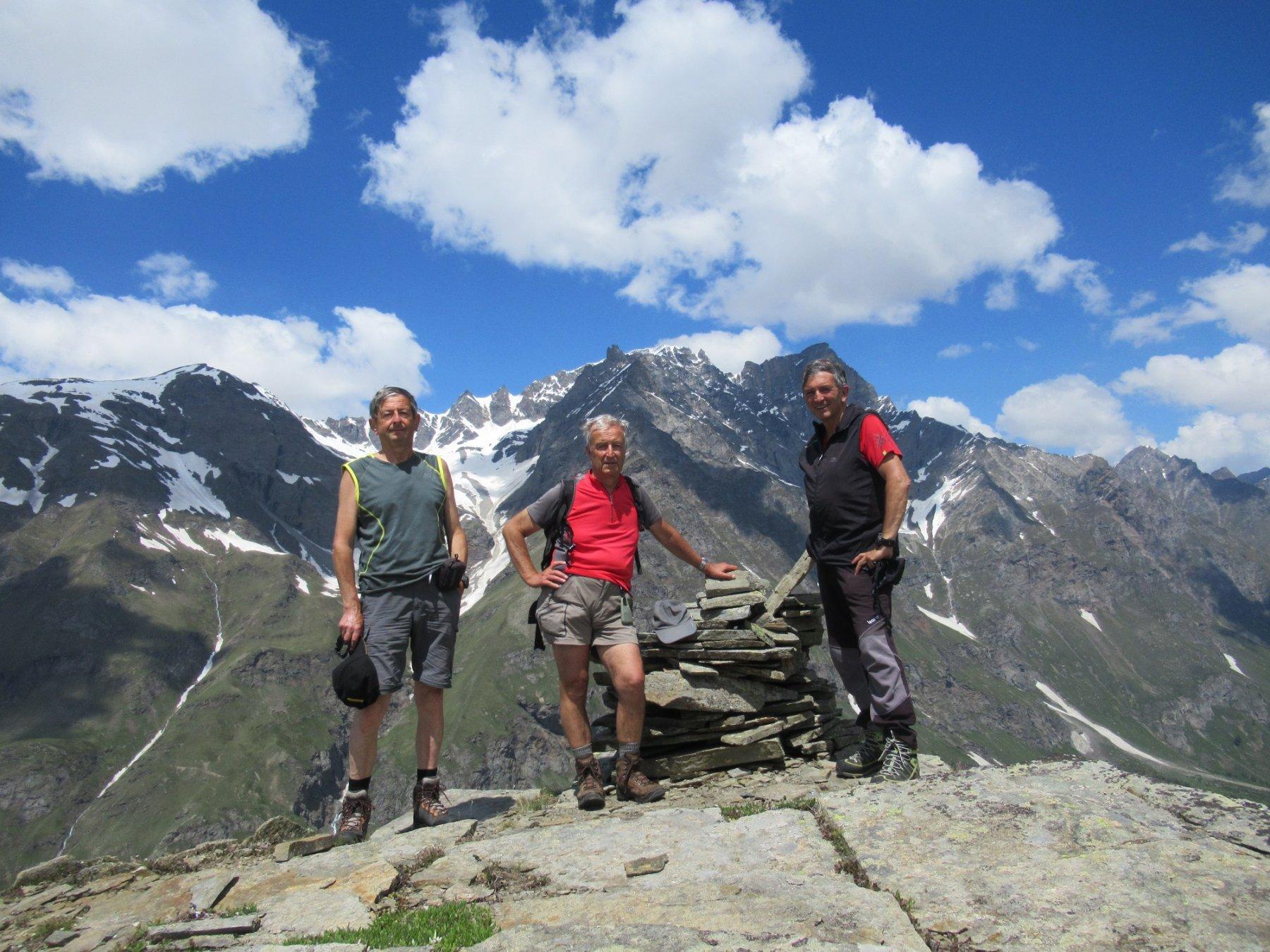 Cornet punta nord con gli amici Giorgio e Pier Albino