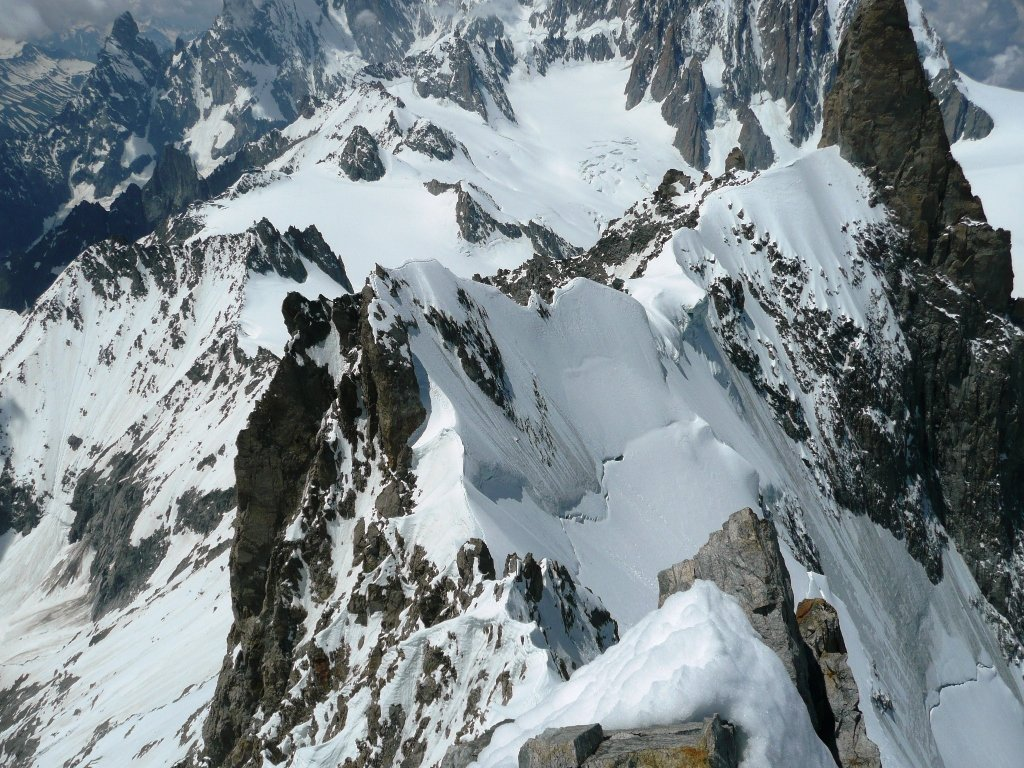 La cresta vista dalla cima.