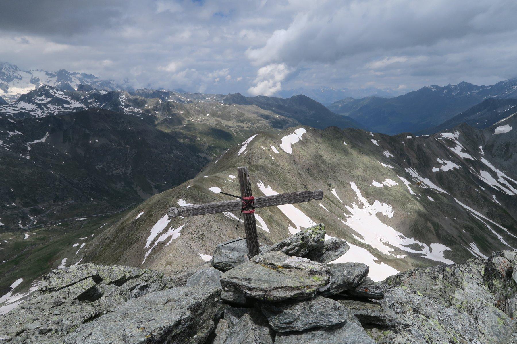 uno sguardo verso la Svizzera dalla Punta di Barasson