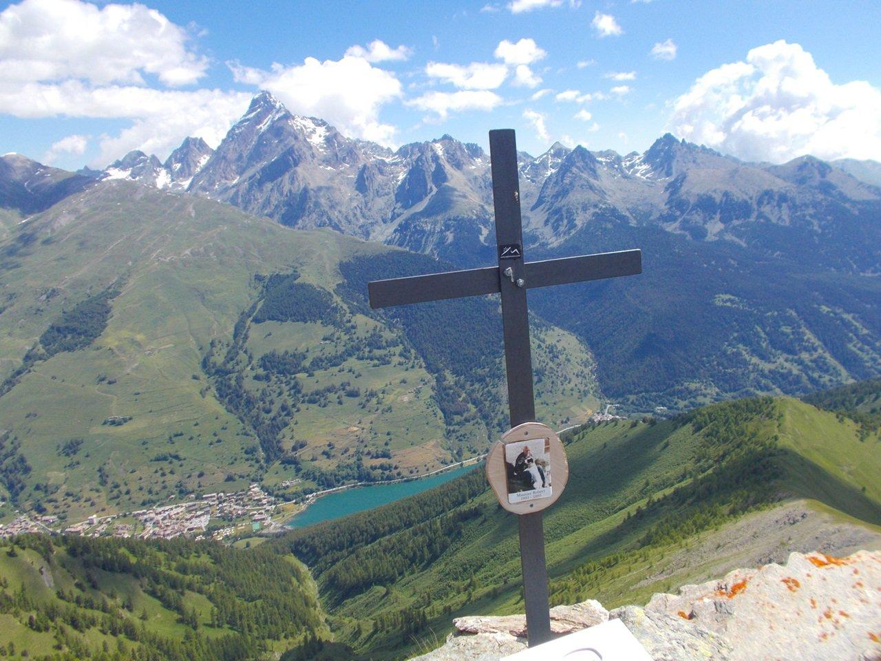 panorama dalla cima verso Pontechianale e Monviso