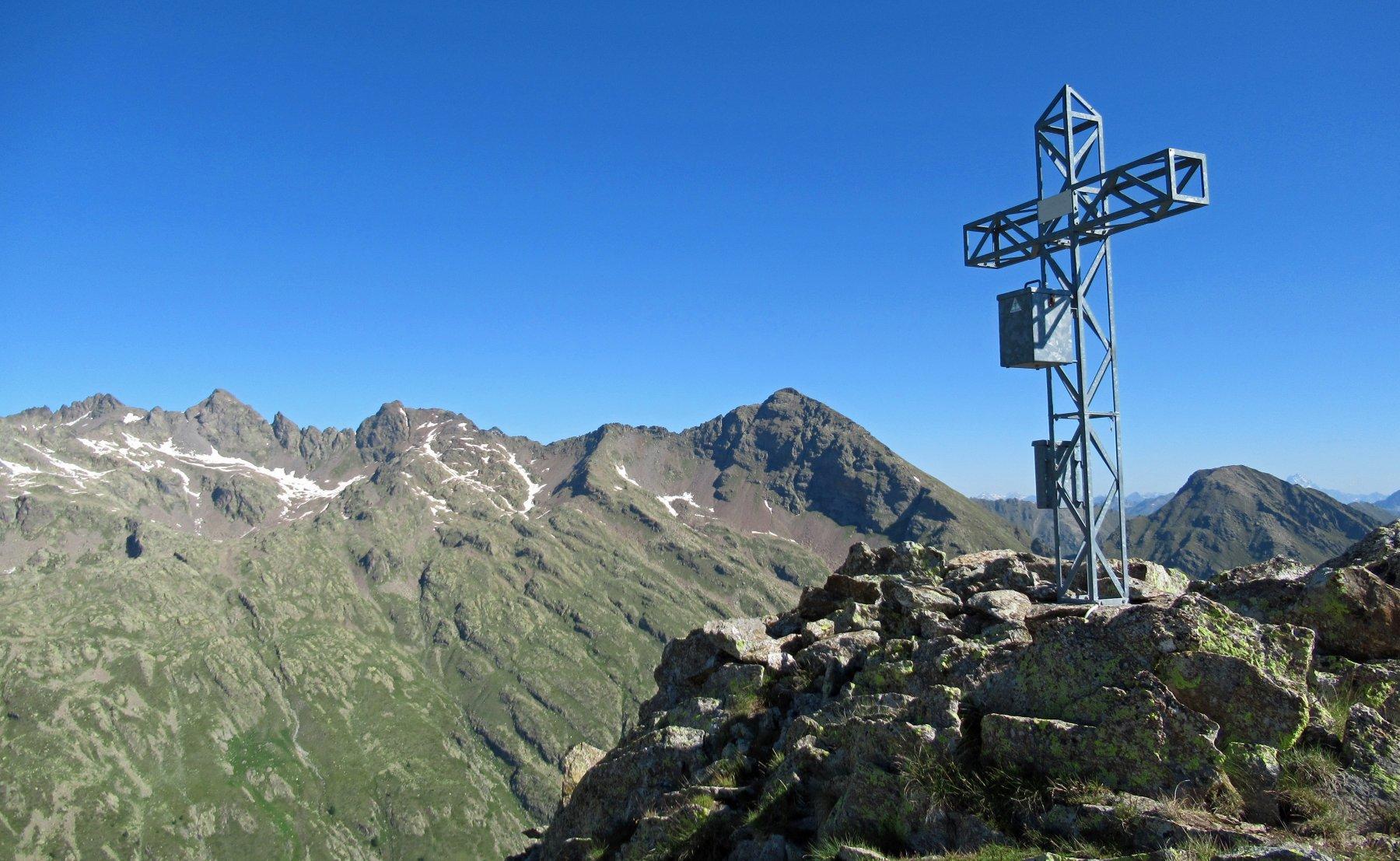 Croce della Guglia e panorama su Corborant, Giofreddo e Laorussa