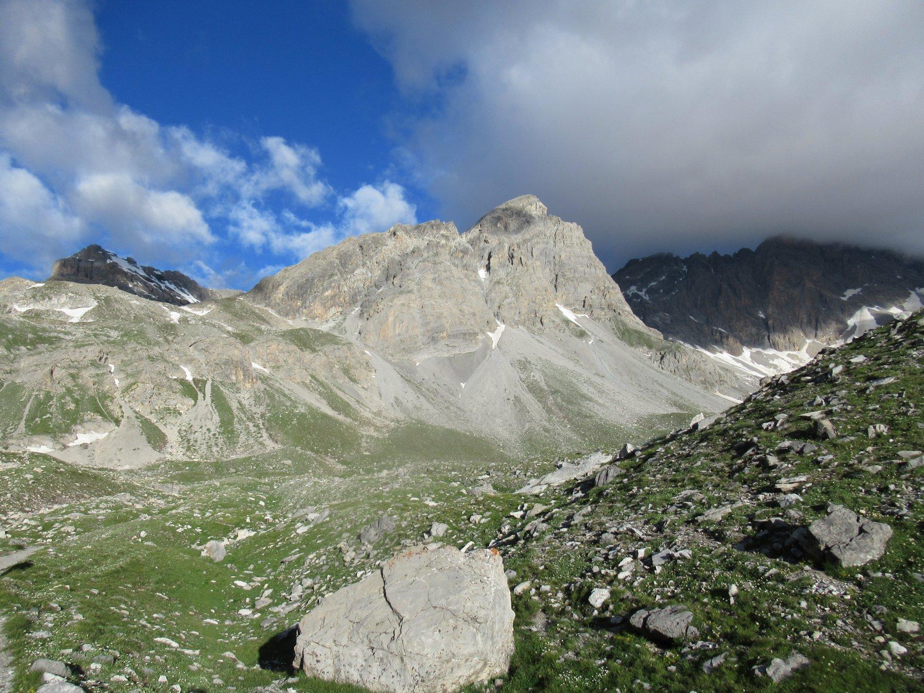 Vallonasso di Stroppia e Monte Baueria (m.2960).