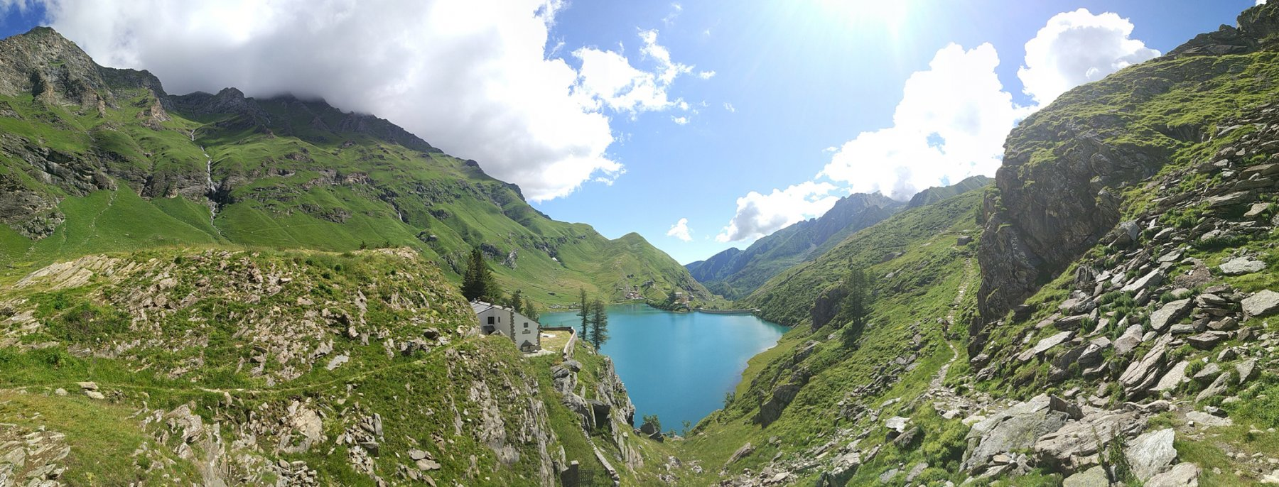 Salendo sopra il lago
