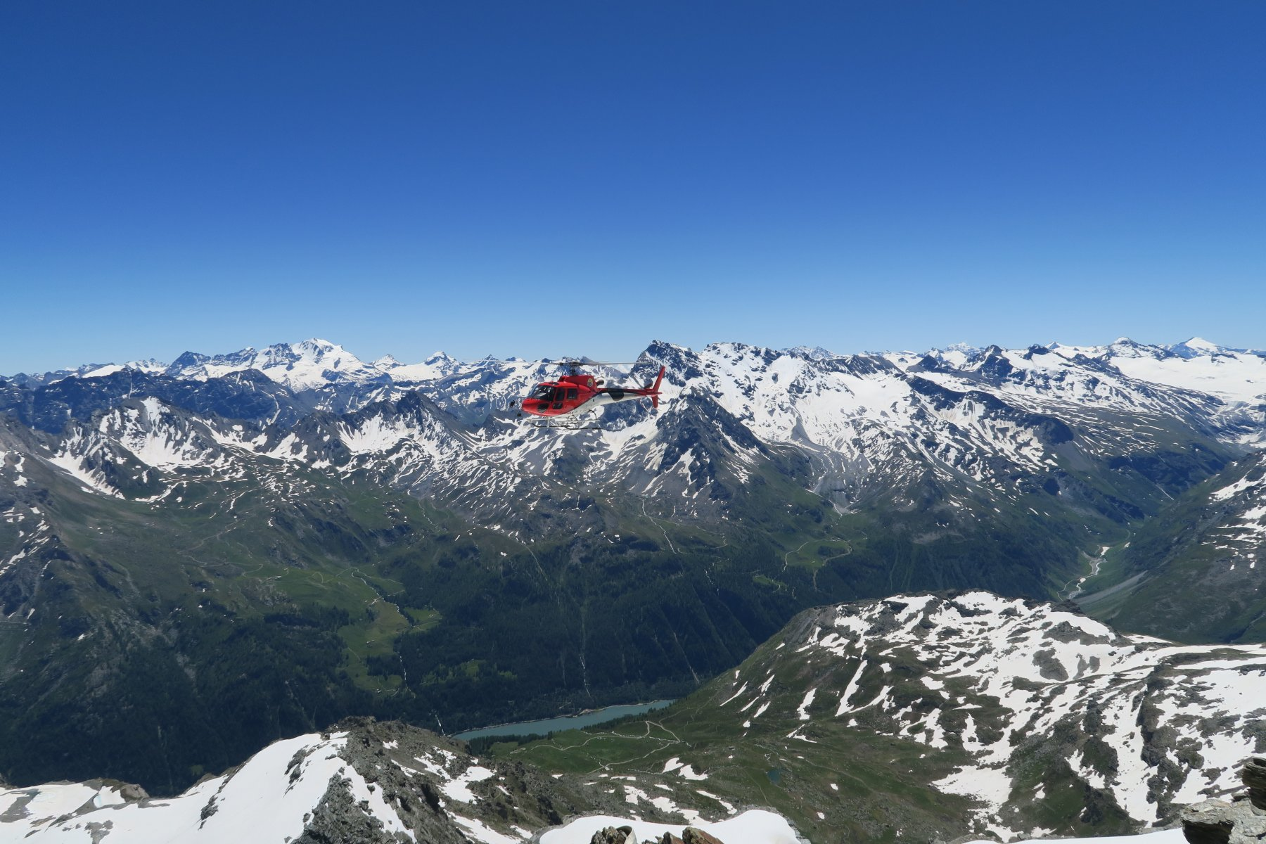 turisti a spasso in elicottero