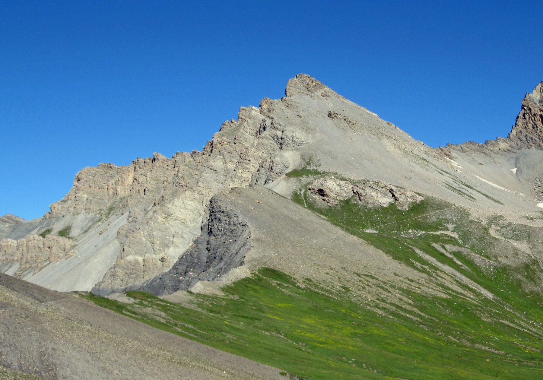 Il bel profilo della Rocca Tre Vescovi
