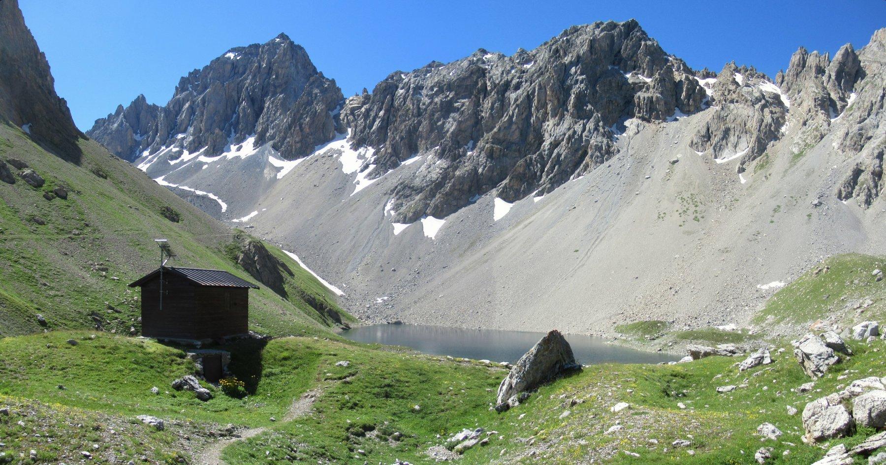 Lago d'Apsoi e Bivacco Bonelli