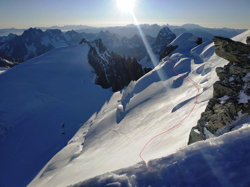 Traverso sulla nord del Maudit, la soluzione attuale per accedere al colle dopo il tratto ghiacciato.