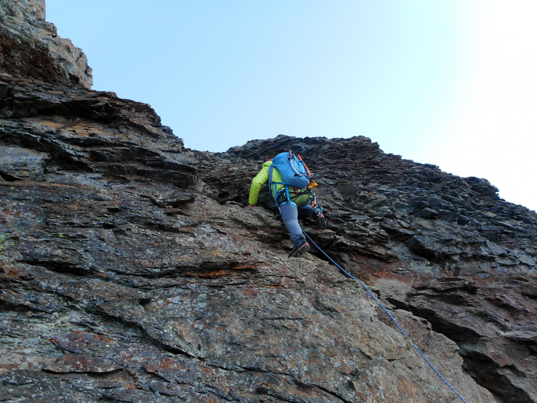 risalendo lo sperone roccioso verso la Jungfrau