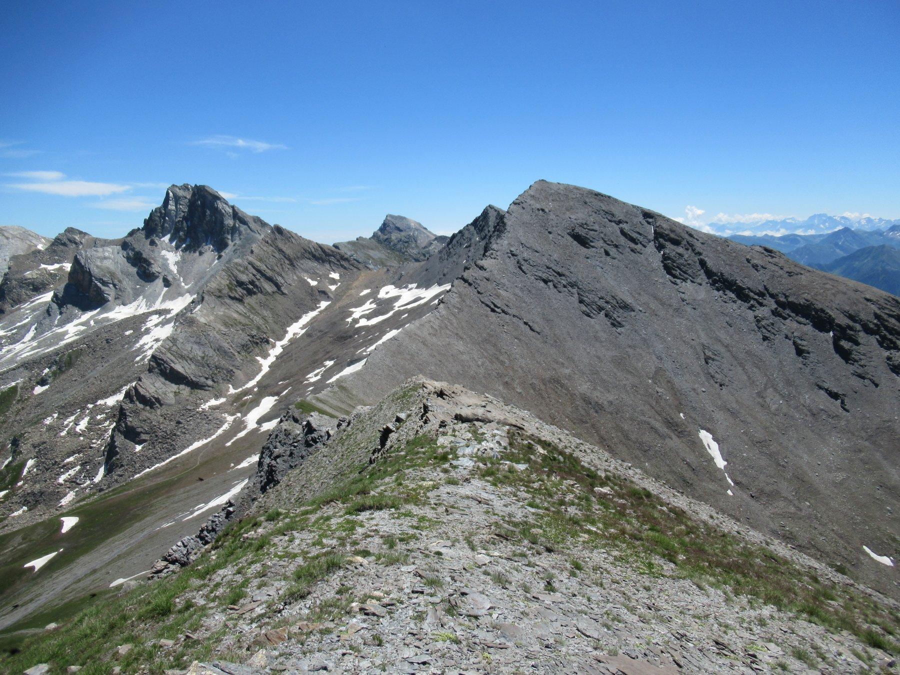 Rocca la Marchisa (m.3072) e Cima Sebolet (m.3023) dal Monte Reghetta (m.2965).