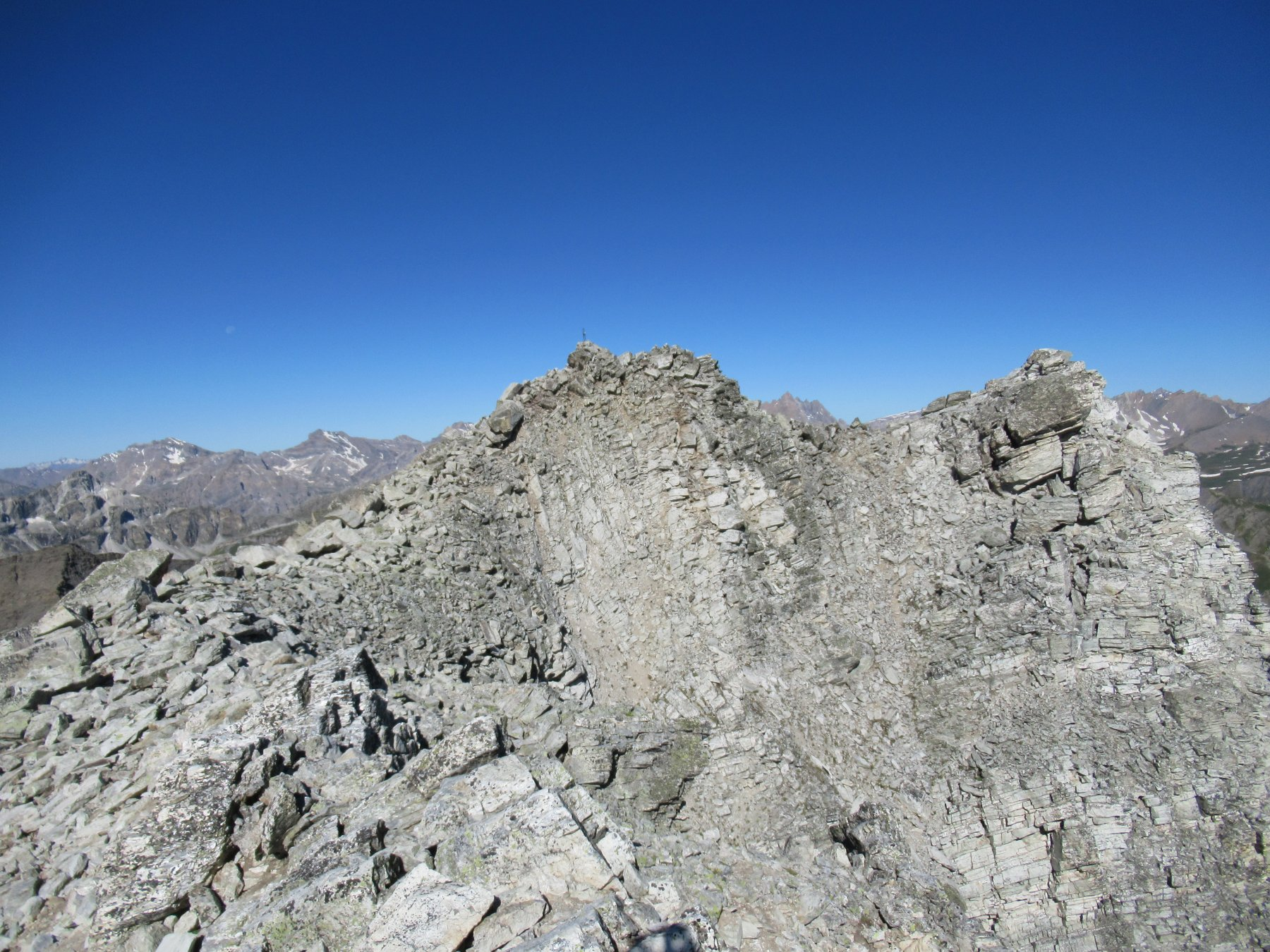 Rocca la Marchisa (m.3072).