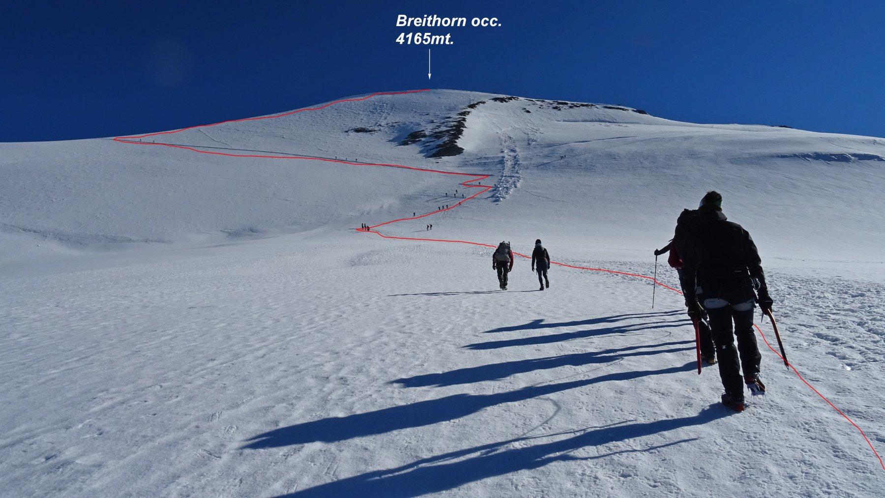 In rosso la traccia di salita al Breithorn occidentale.