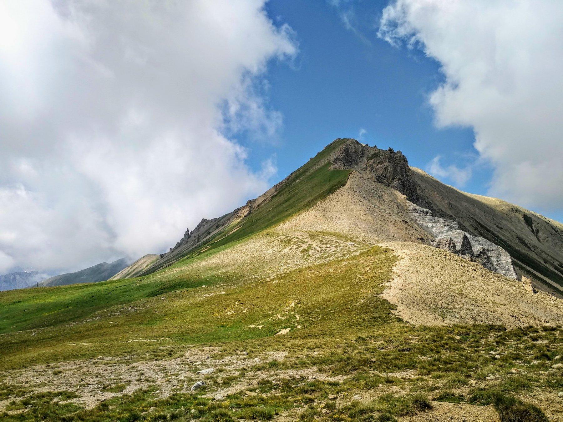 la cresta per il pic e Lauzin dal col de Trois Frere Mineurs