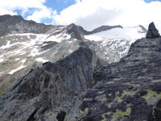 Il tratto tra cima orientale e centrale visto da quest'ultima.