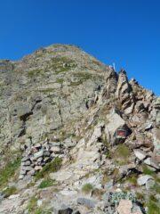 la partenza della cresta con i bolli rossi vista dal colle di Rostagno