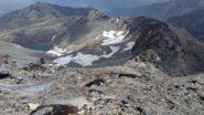 vista dello sfasciume dalla cima al lago