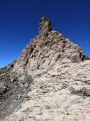Bellissimo tratto di cresta sotto la cima