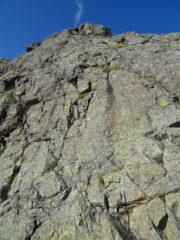 Bei muretti verticali lungo la prima parte di cresta