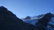 In vista della Cabane de Tracuit, Turtmanngletscher con Bishorn e cresta del Weisshorn in lontananza