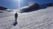 Sul tratto pianeggiante del Turtmanngletscher in direzione Bishorn