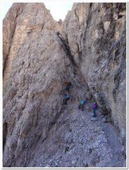 Un tratto del sentiero attrezzato dopo le gallerie