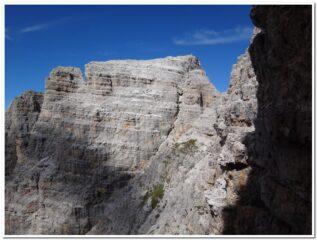 Folla in cima al monte Paterno